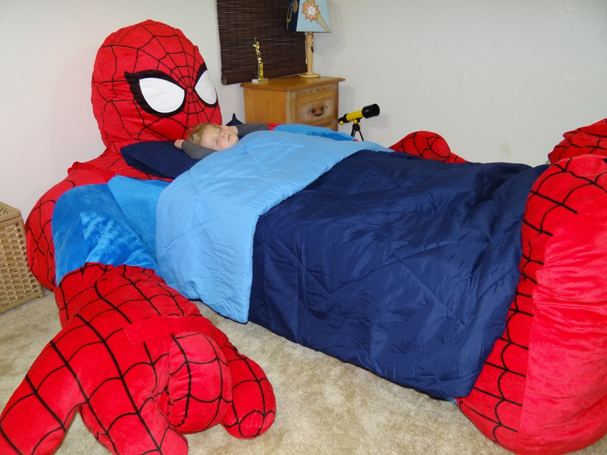 cama spiderman