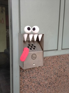 Street-art-Adding-Eyes-and-Teeth-Brings-Everything-to-1